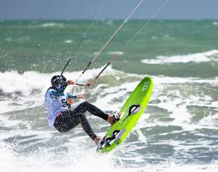 Kite surf sur les plages - Hérault, le Languedoc © Olivier Octobre